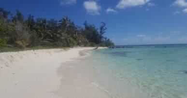 Mariana Islands: empty beach
